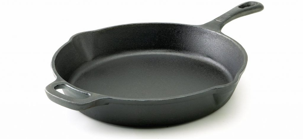 how to clean cast iron after cooking bacon
