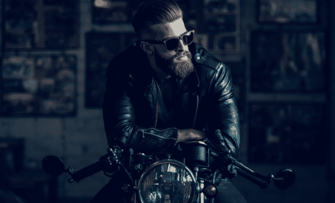 Which Features Are Important to Consider When Buying Motorcycle Glasses