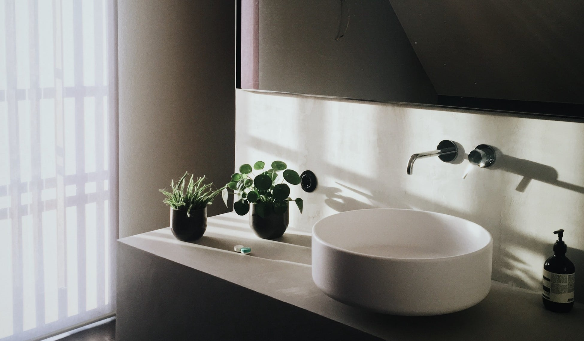Bathroom Sinks Above Counter