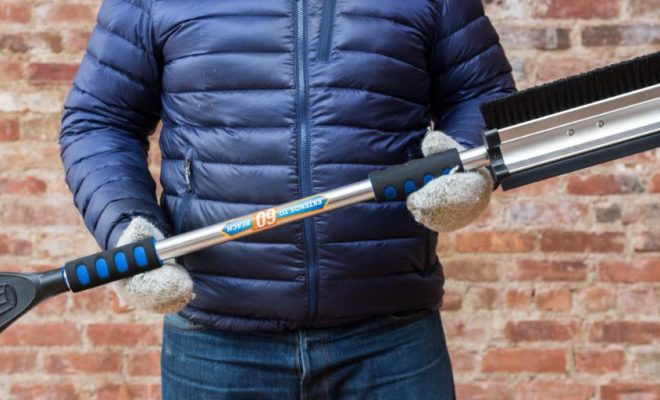 Ice Scrapers & Snow Brushes